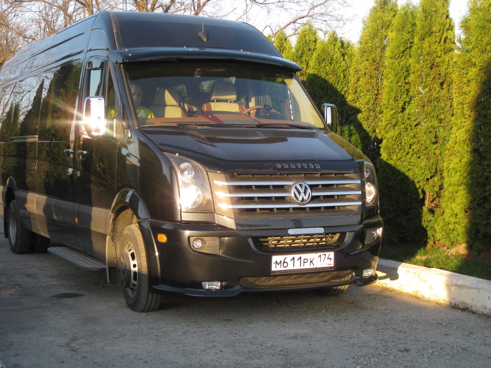 Заказать Микроавтобус Volkswagen Crafter для перевозки пассажиров